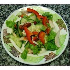 Салат из курочки с овощами и фасолью